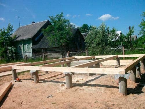 Построить сарай на сваях
